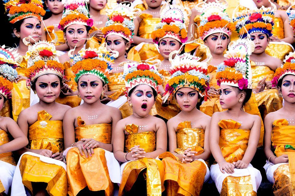_88804617_131019119048179586_malaysia_khairel_anuar_che-ani_1st-place_malaysia-national-award_2016-sony-world-photography-awards