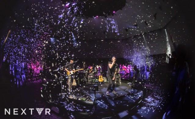 coldplay-virtual-reality-concert-oculus-rift-nextvr-1-700x428